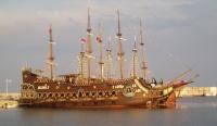 Za menej - Pirátska loď