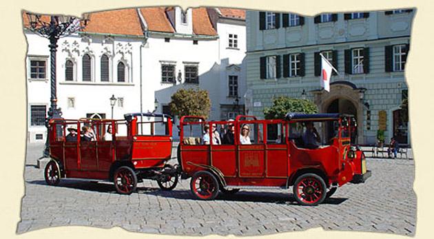 Fotka zľavy: Nezabudnuteľná jazda v historickom vozidle Prešporáčik-Oldtimer® už od 3,99€. Hodinová alebo polhodinová jazda v uličkách starej Bratislavy pre malých i veľkých so 60% zľavou!