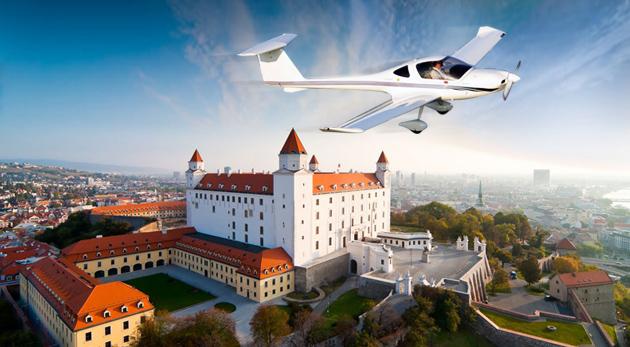 Fotka zľavy: Zážitkový let s možnosťou pilotovania už od 49,90€. Potešte seba alebo prekvapte blízkych úžasným darčekom, ktorý vám poskytne pohľad na svet z vtáčej perspektívy!