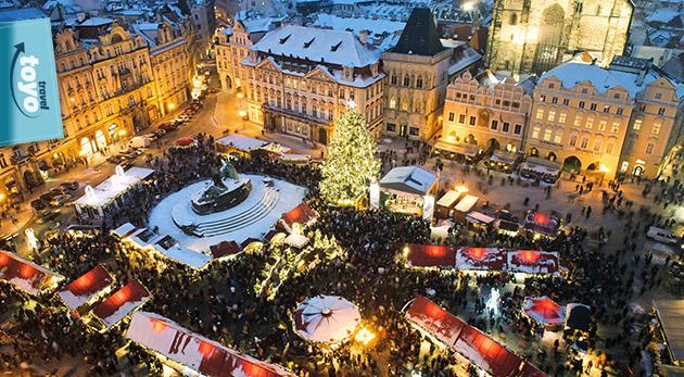 Fotka zľavy: Zažite adventnú atmosféru Prahy na vianočných trhoch v spojení s prehliadkou mesta so sprievodcom a s nákupmi v najväčšom OC v Čechách len za 27 €.