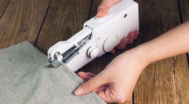 Fotka zľavy: Ručný šijací stroj Handy Stitch len za 8,39€. Šite, opravujte, vyšívajte a prejavte kreatívnosť bez obmedzení!