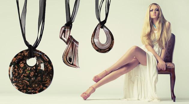 Fotka zľavy: Výnimočný náhrdelník pre dámy vyrobený zo skla v 3 rôznych prevedeniach len za 5,99 €. Popýšte sa touto originálnou sklenou ozdobou!