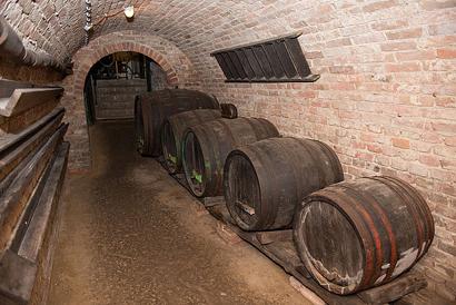 Romantický zámok Kreuzenstein a raj vína v Poysdorfe Prima Travel