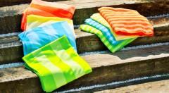 Zľava 60%: Praktická rýchloschnúca osuška sa postará o to, že vaše chvíle na kúpalisku či na plavárni ostanú maximálne v suchu. Naraz z nej vyžmýkate až 80 % vody! Vyberte si zo 4 farieb len za 7,99 €!