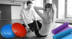 Zľava 49%: Posilnite svoje sedacie a chrbtové svalstvo a podporte správne držanie tela vďaka skvelým pomôckam - masážno-balančnému disku alebo podložke na cvičenie už od 6,90 €.