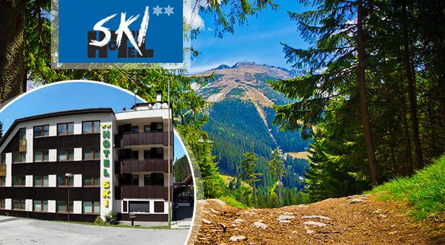 Fotka zľavy: Nadýchnite sa čerstvého vzduchu na dovolenke v Nízkych Tatrách - 3 dni v Hoteli SKI pod Chopkom len za 109 € pre dvoch s polpenziou aj Liptov region card. Dieťa do 15 rokov zdarma!