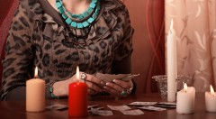 Zľava 73%: Odhaľte svoju budúcnosť vďaka výkladu kariet a numerologickému rozboru len za 10,90 € od skúsenej veštice Adriany. Možnosť veštenia osobne alebo cez e-mail.