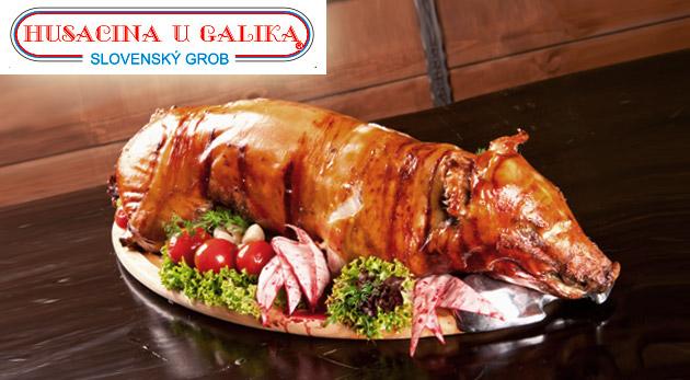 Fotka zľavy: Doprajte si s priateľmi či s rodinou polovicu alebo celé pečené prasa z reštaurácie Husacina u Galika v Slovenskom Grobe už od 75 €. Urobte si hostinu až pre 25 ľudí v reštaurácii alebo u vás doma!