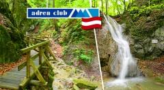 Zľava 50%: Spoznajte krásy rakúskej prírody v rámci jednodňovej túry do štyroch tiesňav a k vodopádu iba za 19,90 €. Zažijete kŕmenie divej zveri, návštevu jaskyne či pohľad z vtáčej perspektívy na skalnú stenu!