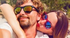Zľava 60%: Chráňte si svoj zrak štýlovo vďaka imidžovým slnečným okuliarom iba za 3,99 €. Vyberte si zo 6 modelov v rôznych farebných prevedeniach a vyrazte do letných ulíc!