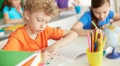 Zľava 24%: Pripravte vaše ratolesti do školy so všetkým potrebným! Školské balíčky už od 73 €. Anatomický batoh a všetky školské a písacie potreby v 3 obľúbených chlapčenských motívoch.