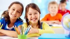 Zľava 24%: Školský rok sa nezadržateľne blíži. Máme pre Vás školské balíčky s anatomickým batohom pre dievčatá už od 73 €. Na výber z 3 rôznych motívov.