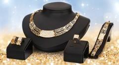 Zľava 40%: Neprehliadnuteľný 4-dielny set šperkov v zlatej farbe, ktorý z vás urobí hviezdu každej spoločenskej udalosti, len za 11,90 €. Na výber zo 6 elegantných modelov!