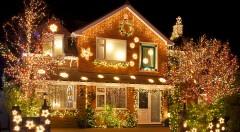 Zľava 32%: Spríjemnite si Vianoce krásnym ozdobným osvetlením domu alebo svetelnou záclonou už od 14,90 €. Na výber v troch farbách a osvetlenie vhodné do interiéru i exteriéru!