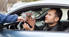 Zľava 77%: Sadnite za volant s istotou vďaka digitálnemu alkohol testeru s displejom a časovačom len za 5,50 €. Výsledky do 5 sekúnd s presnosťou na desatiny promile!