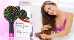Zľava 50%: Premeňte česanie vlasov na pôžitok. Kefa Rainbow Volume S Brush len za 6,99 € vďaka špeciálnemu dizajnu rozčeše každý prameň, ktorý si potom môžete skontrolovať na zrkadielku z opačnej strany!