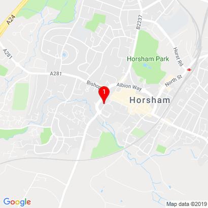Na RZ (30 Worthing Road,   Horsham,    RH12 1SL England),Hévíz,H-8380
